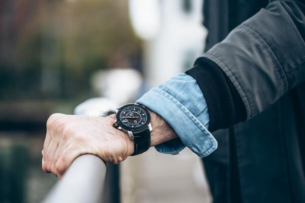 Liv Genesis X1A Watch